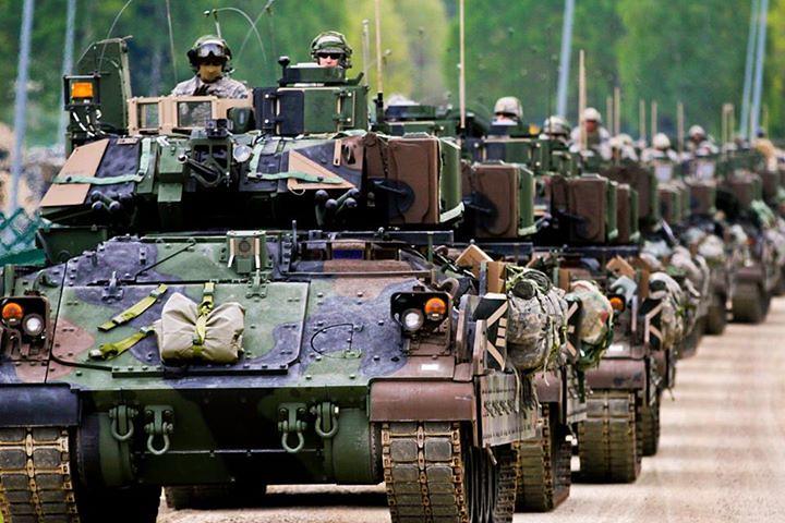 EUA planejam colocar cerca de 150 veículos blindados na Europa em resposta à crise na Ucrânia