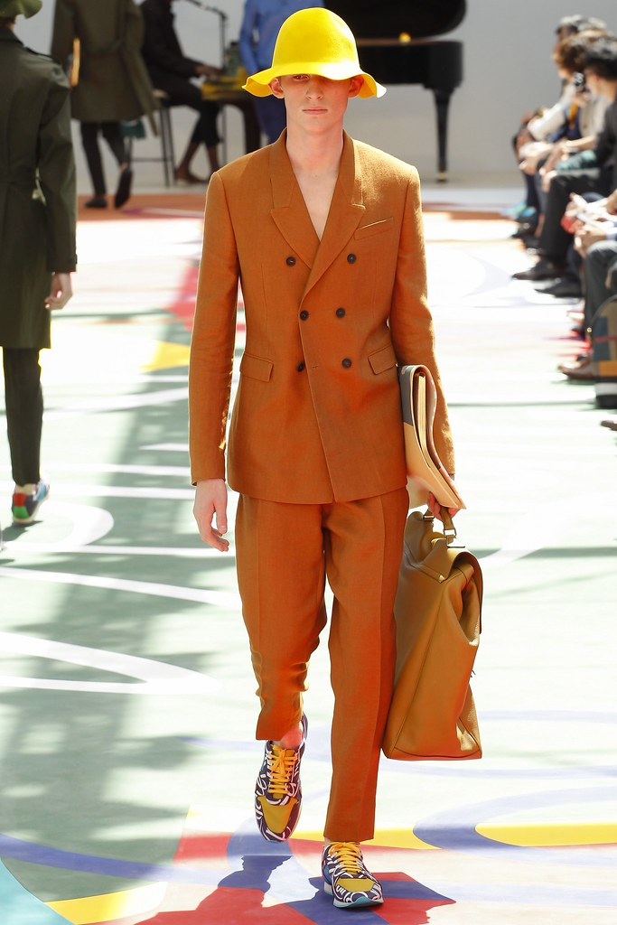 SS15 London Burberry Prorsum031_Charlie Ayres Taylor(VOGUE)