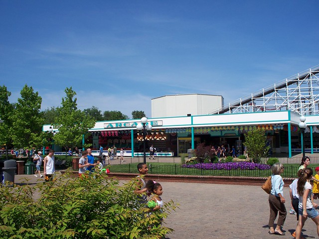 Kings Island - Coney Mall