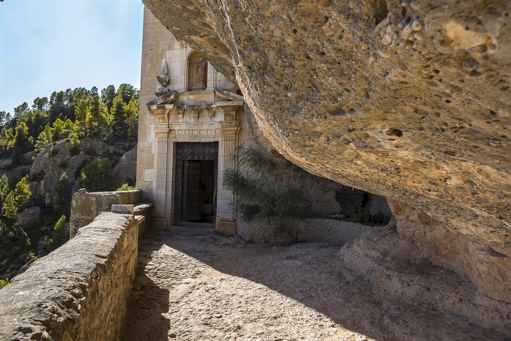 Entrada al santuario de la Verge de la Balma. Autor, Antonio Porcar
