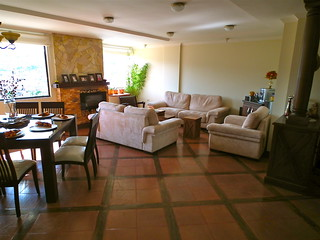 Loja real estate for sale
