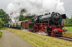 Beekbergen - Apeldoorn 23 071 met een passagierstrein