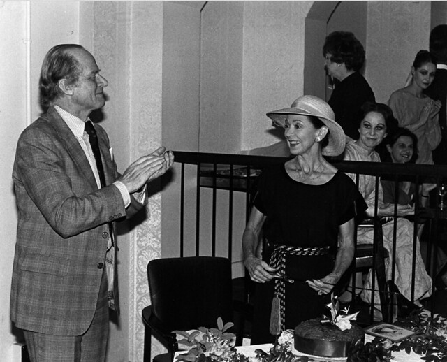 John Tooley and Margot Fonteyn cutting the Taglioni cake on 30 May 1981