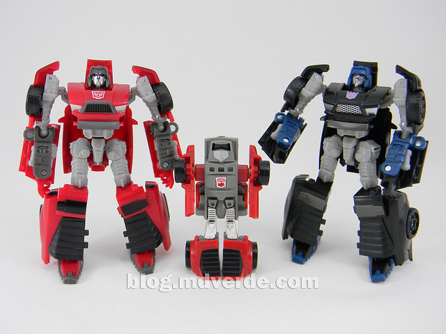 Transformers Windcharger vs Wipe-Out Scout - United - modo robot vs G1