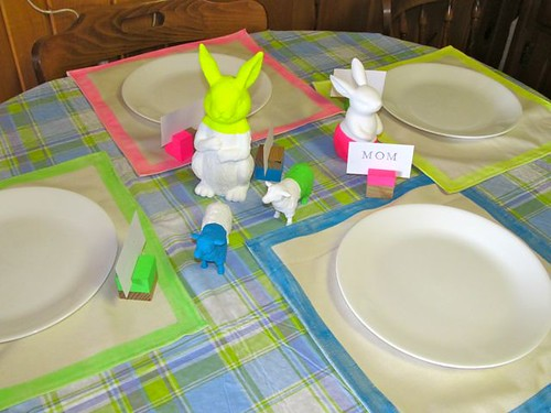Neon dip-dyed table