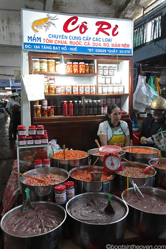 Stand selling fermented seafood pastes