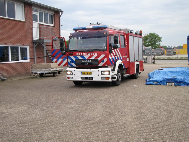 10-05-2012_Containerbrand-BuysBallotstraat_remco (3)