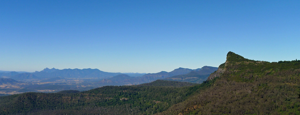Mt Mitchell from Mt Cordeaux Lookout