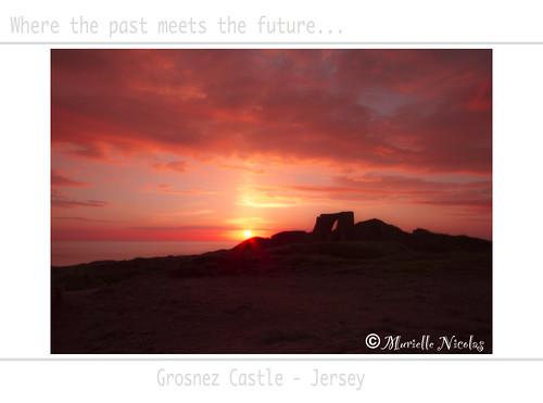 sunset castle ruins jersey coucherdesoleil ruines stouen grosnez grosnezcastle