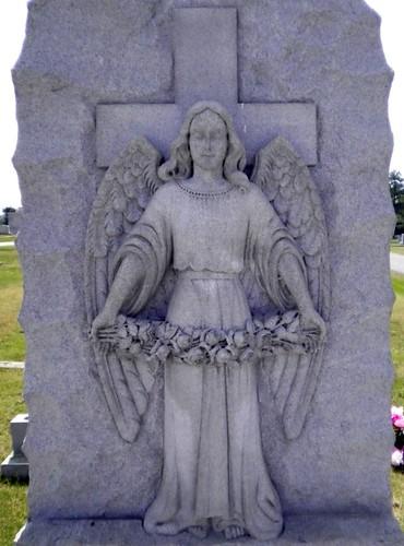 cemetery grave graveyard angel georgia dead franciscoherrera elmhurstcemetery elbertonga elbertcountyga munumerfamilyplot familyplotstone candidomunumersr floraherreramunumer candidomunumerjr margaritaherrera simonreales mariaherrerareales