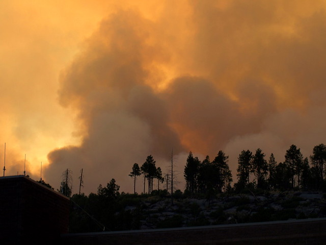 Smoke as it appears from the Emergency Operations Center, Los Alamos National Laboratory.