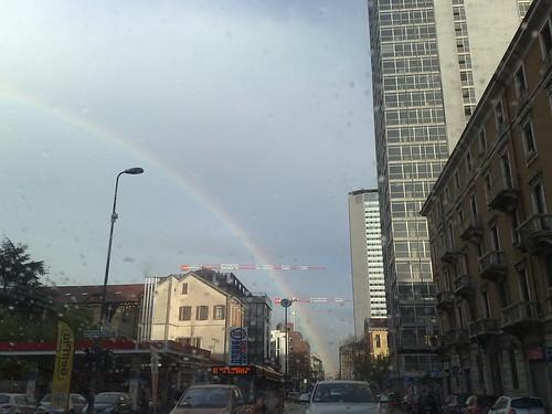 L'arcobaleno dietro il Pirellone by durishti