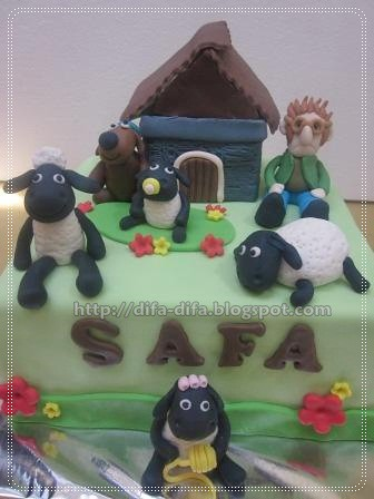 shaun the sheep by DiFa Cakes