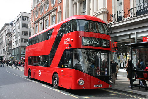London United LT149 on Route 10, Oxford Street