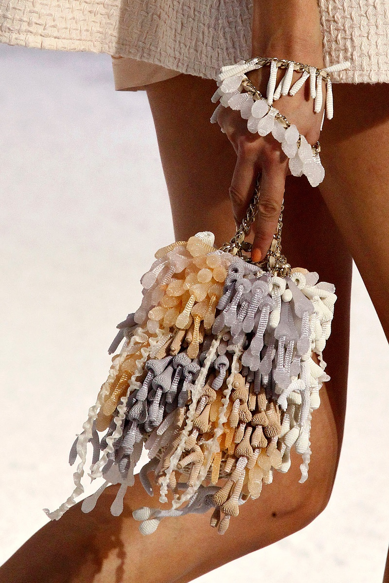 slide-show-chanel-novelty-bags14_145535986673.jpg_gallery_max