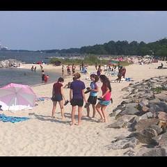 Abby Winch, Sammie Grippo, Maya Gorney & Natalia Gorney at Yorktown, VA beach