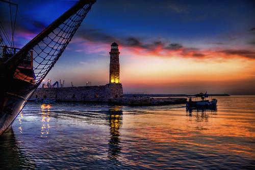 morning sea sky lighthouse clouds sunrise boat early harbour crete rethymno κρήτη σύννεφα θάλασσα λιμάνι βάρκα ανατολή πρωί ρέθυμνο ουρανόσ φάροσ