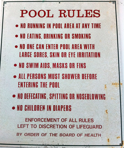 Pool rules signs leave nothing to the imagination - Can pregnant women swim in public pools ...