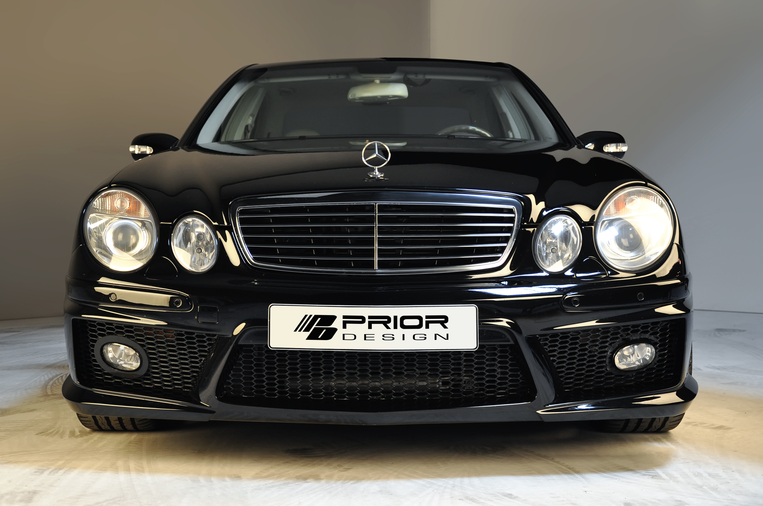 Black mercedes benz e class w211 full body kit front for Mercedes benz amg kit