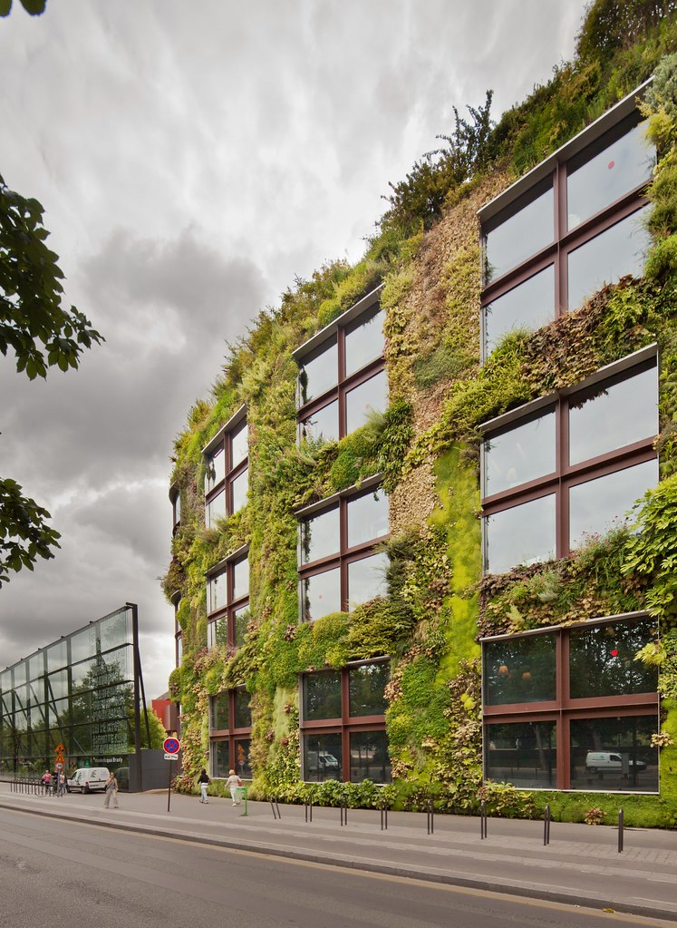Le Mur Végétal / Vertical Garden