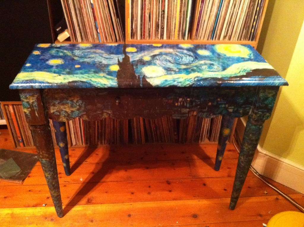 Art Van Foyer Tables : Art van furniture sale