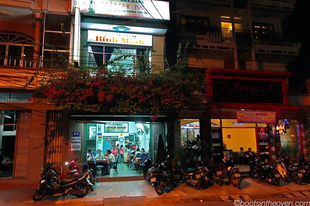 Nhà hàng Bình Minh front