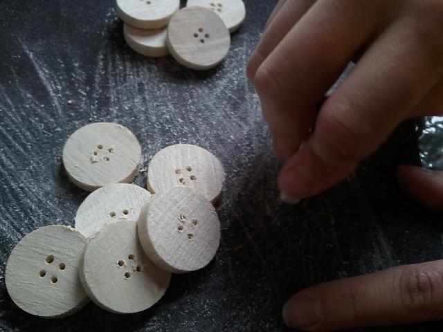 sanding buttons