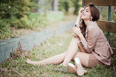 [フリー画像素材] 人物, 女性 - アジア, 女性 - 座る, 台湾人 ID:201207170800