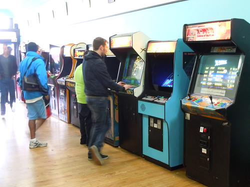04-21-12 Rusty Quarters Arcade, Minneapolis, MN (Gamers)