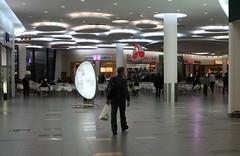 Dans le centre commercial