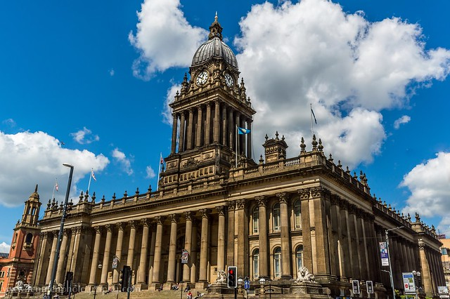 Blue skies over Leeds Town Hall