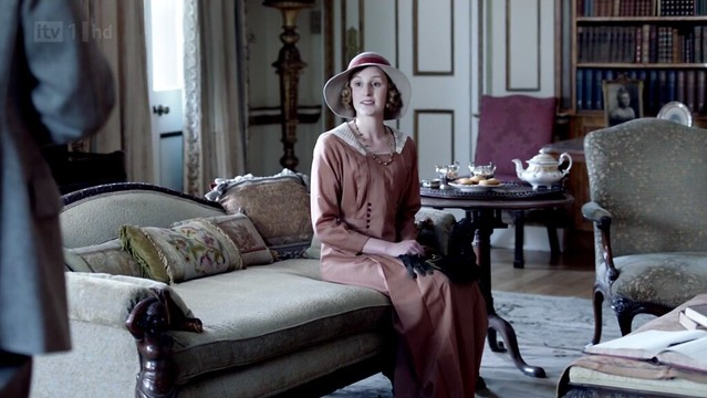 DowntonAbbeyS02E09_SirAnthonyHouse_interior2