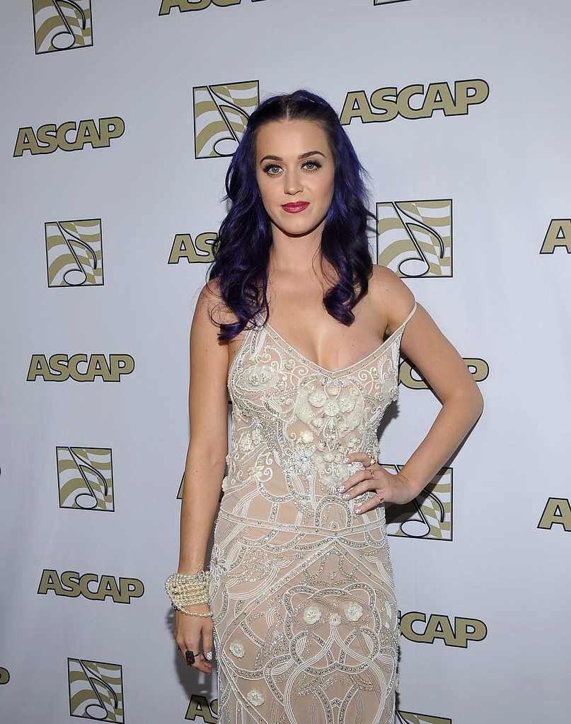 katy-perry-celebutopia-CD041809