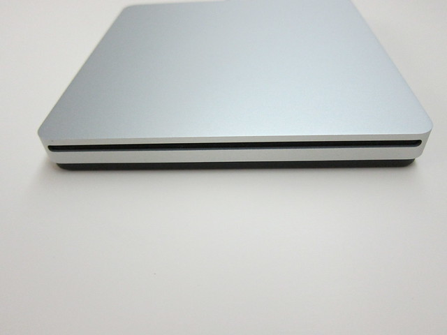 Apple USB SuperDrive - The Drive Side View
