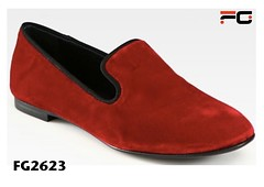 orange(0.0), textile(0.0), leather(0.0), slipper(0.0), outdoor shoe(1.0), footwear(1.0), shoe(1.0), maroon(1.0), slip-on shoe(1.0),