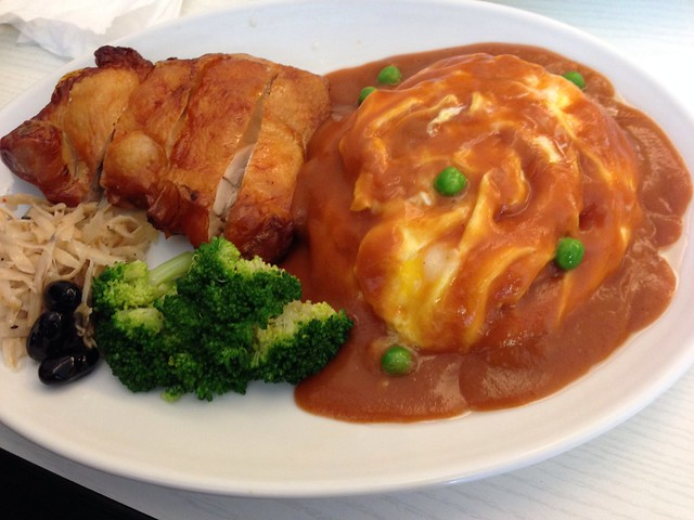 台北古亭。橫濱蛋包飯:招牌的橫濱雞腿蛋包飯!皮酥肉嫩好吃!