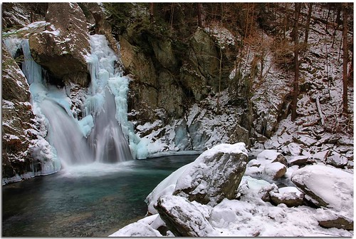 winter ice canon waterfall massachusetts berkshires bashbish waterfallguy