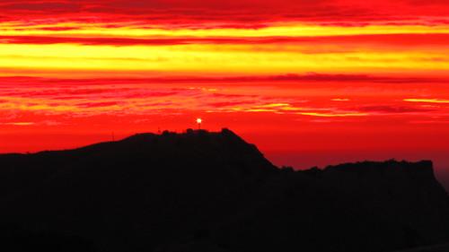 travel light newzealand summer sunrise landscape dawn coast scenery east nz northisland beacon gisborne eastland