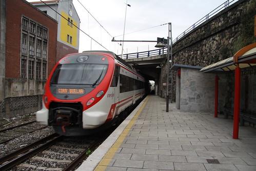 tren de cercanias en valdecilla santander