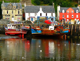 Villages of Scotland - Tobermory 2        (5 postcards)