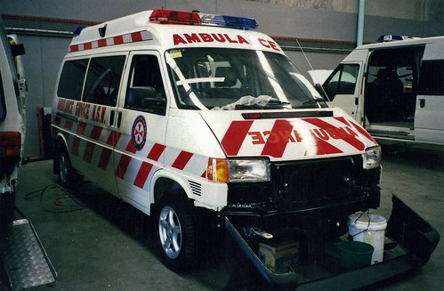 Ambulances 11 22 historic commercial vehicle club of for Mccurley mercedes benz