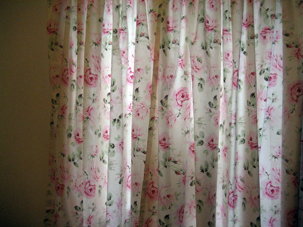 Floral curtains floral bachmans flowers mn for Flowery curtains design