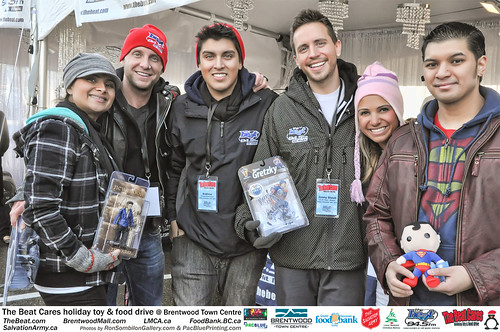 The BEAT CARES holiday food and toy drive at Brentwood Town Centre photos by Ron Sombilon Gallery (141)