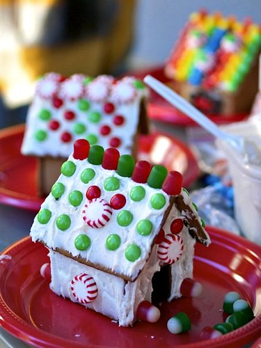 mini gingerbread house 6