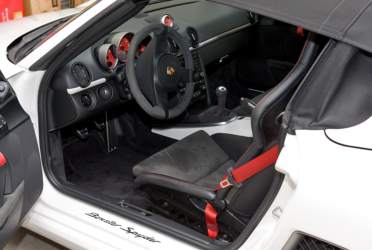 what 39 s the best wax for a white car. Black Bedroom Furniture Sets. Home Design Ideas