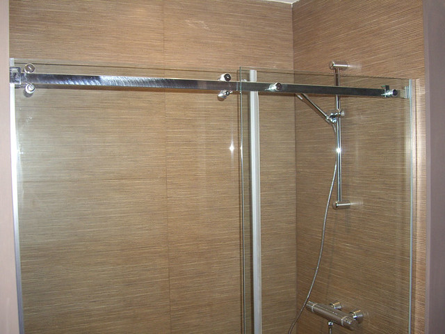 Mamparas Para Baño De Vidrio:Mampara corredera con vidrio transparente