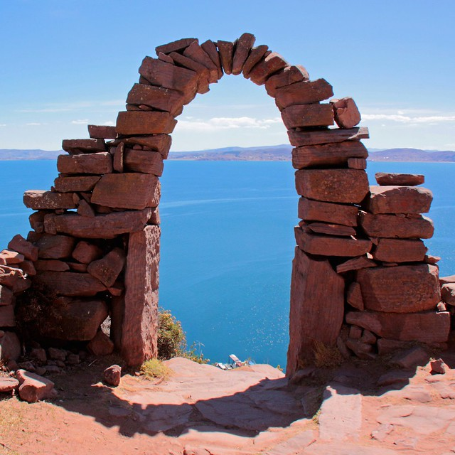 arch with a view to Titicaca lake