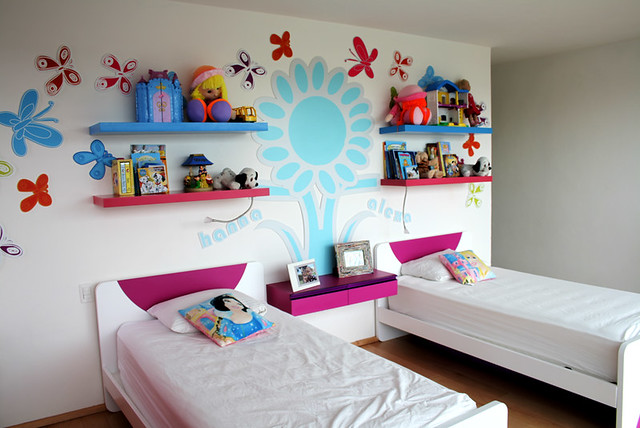 Camas de ni as muebles infantiles kids furniture for Cuarto para tres ninas