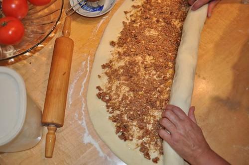 cinnamon buns/rolling-2