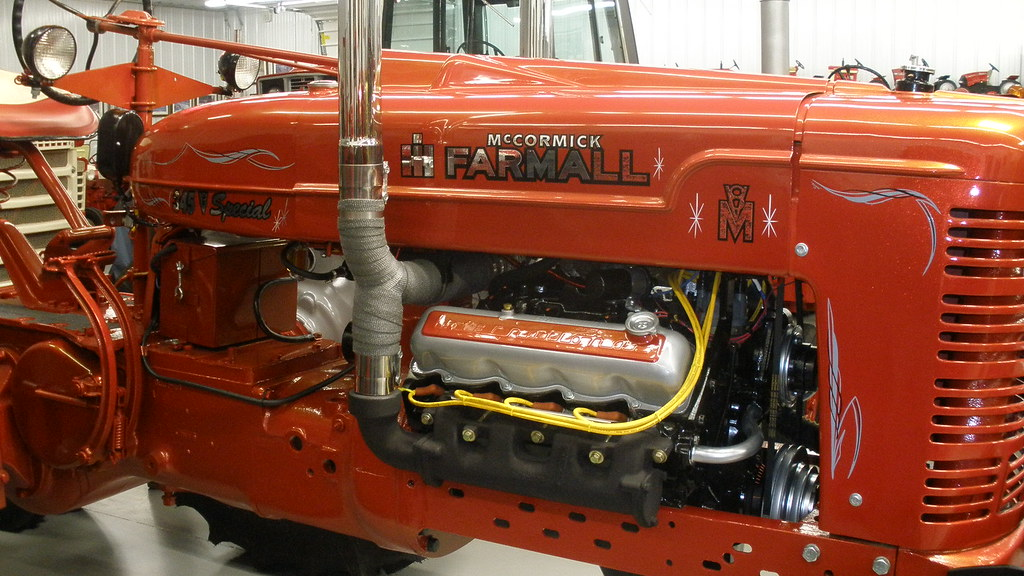 Farmall M V8 - Yesterday's Tractors